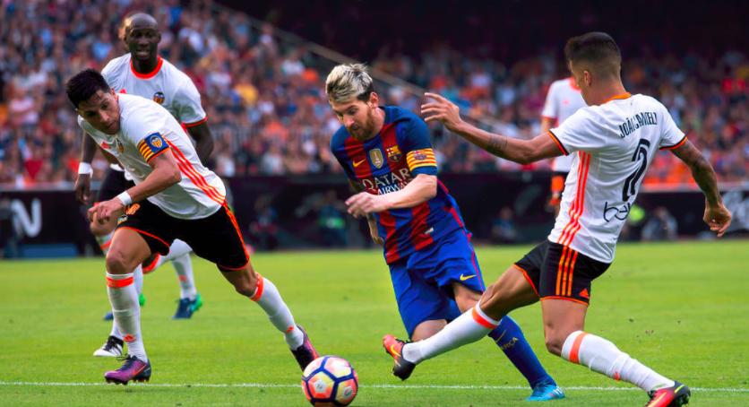 欣赏梅西足球艺术的节奏与空间感