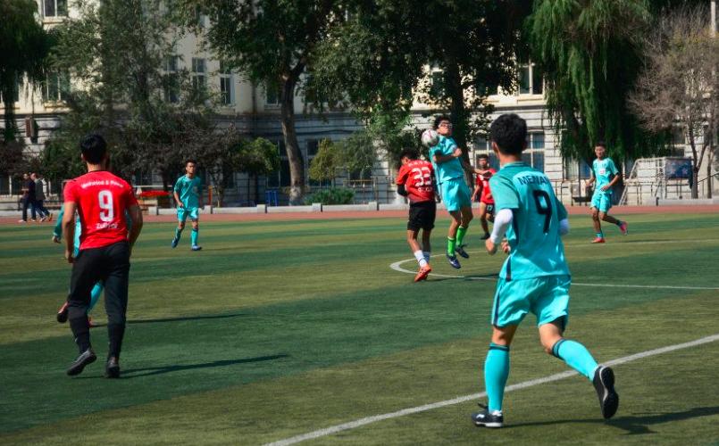 哈尔滨理工大学2018年首届校园学生足球联赛