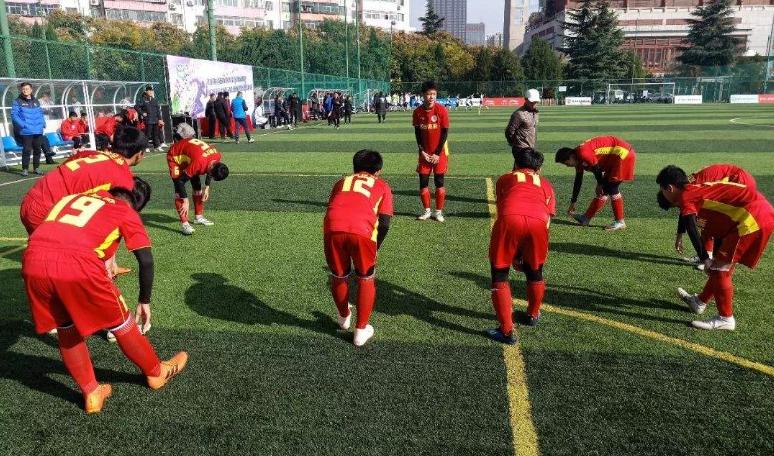宾川县国营宾居华侨农场小学足球发展纪实