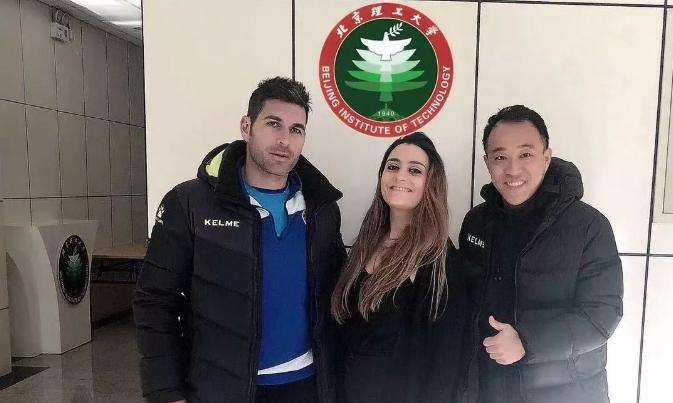 芒果青训访问北京理工大学足球俱乐部