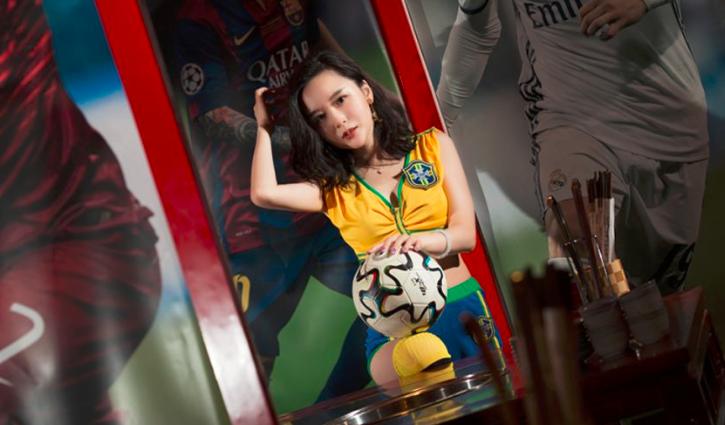 """这群足球美女 长沙街头性感""""撩人"""""""