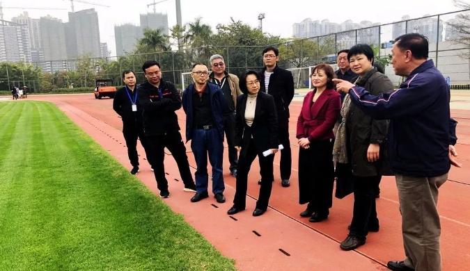 中国杯临近 南宁政府领导出动检查体育设施