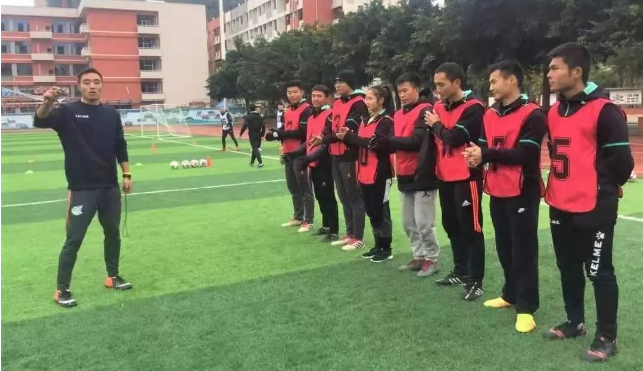 绿茵小将足球俱乐部全员获得E级教练资格