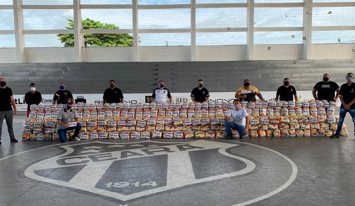 发挥影响力 施亚拉二次捐赠3吨食品