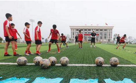 在中学里,他们是重庆足球未来的希望!