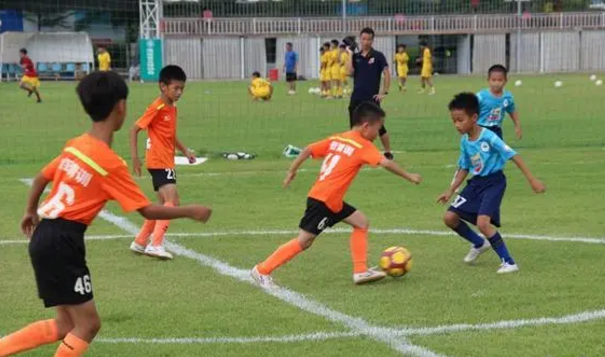 海南青少年足球联赛 虎跃拿下金银铜