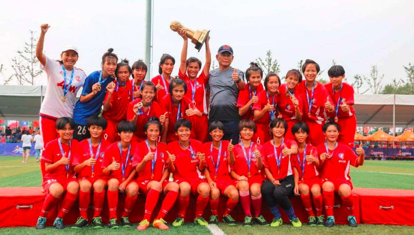 海南校园足球对阵国家少年队五战有一胜