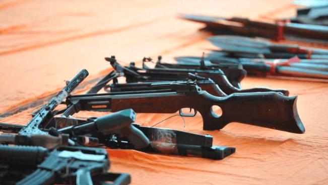"""""""枪迷""""不知道买卖持有仿真枪违法?"""